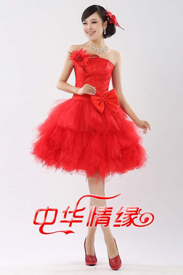 красное вечернее пышное платье фото
