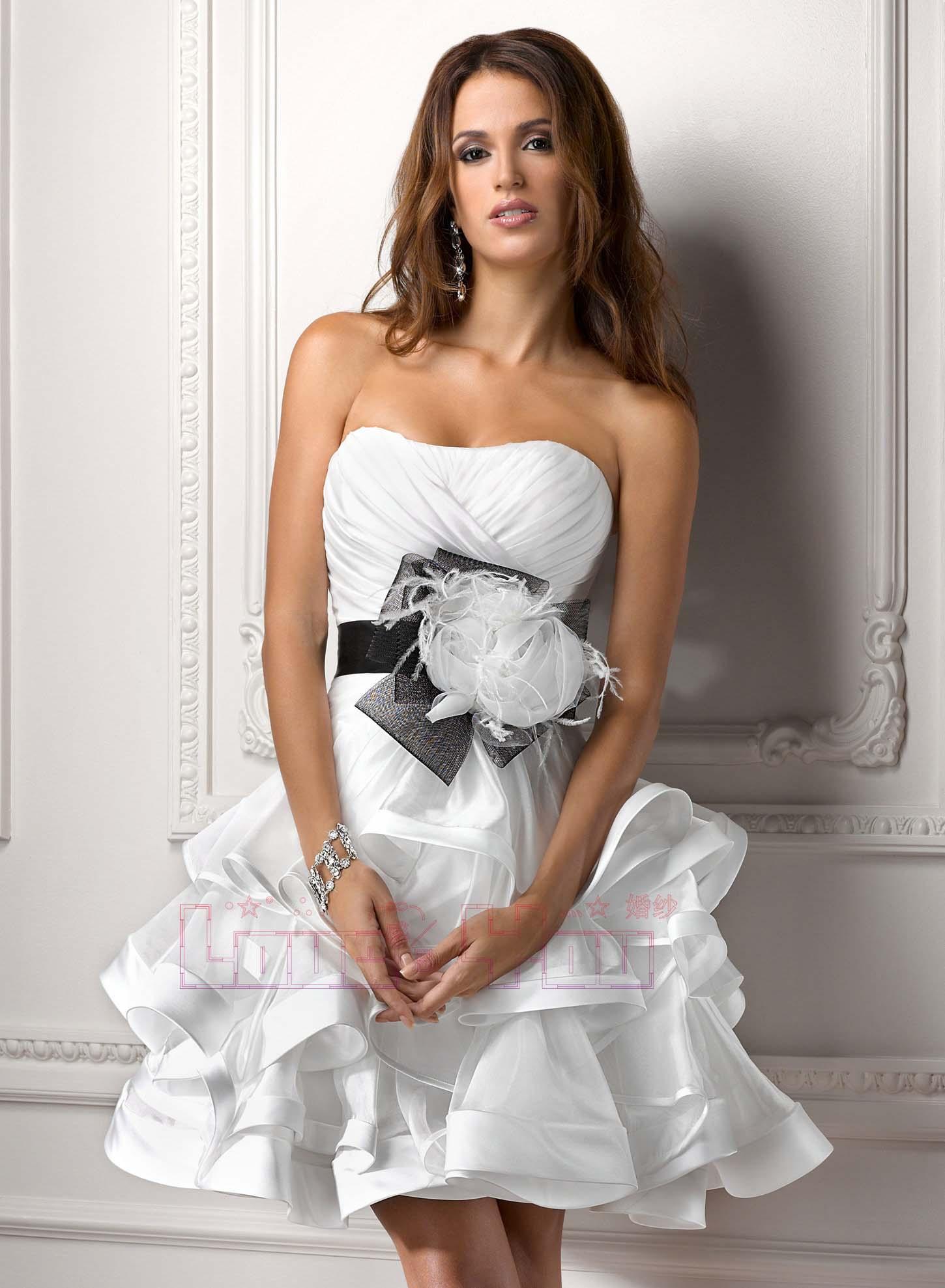 Девушки в свадебном коротком платье фото